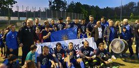 Siegreiche Pokalhelden - die Mannschaft von Hellas Schierstein. [Foto: HFV]