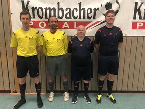 Die Schiedsrichter der Zwischenrunde (v.l.n.r. Michael Tonecker, Oliver Bingmer, Rolf Seifert, Pascal Borck)