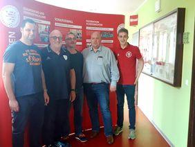 Die neuen Teamer Mario Schmitt, Walter Schmand und Rene Pahl gemeinsam mit Joachim Schmolt und Jonas Stehling (von li.). Es fehlt Claus Lauprecht. [Foto: HFV]