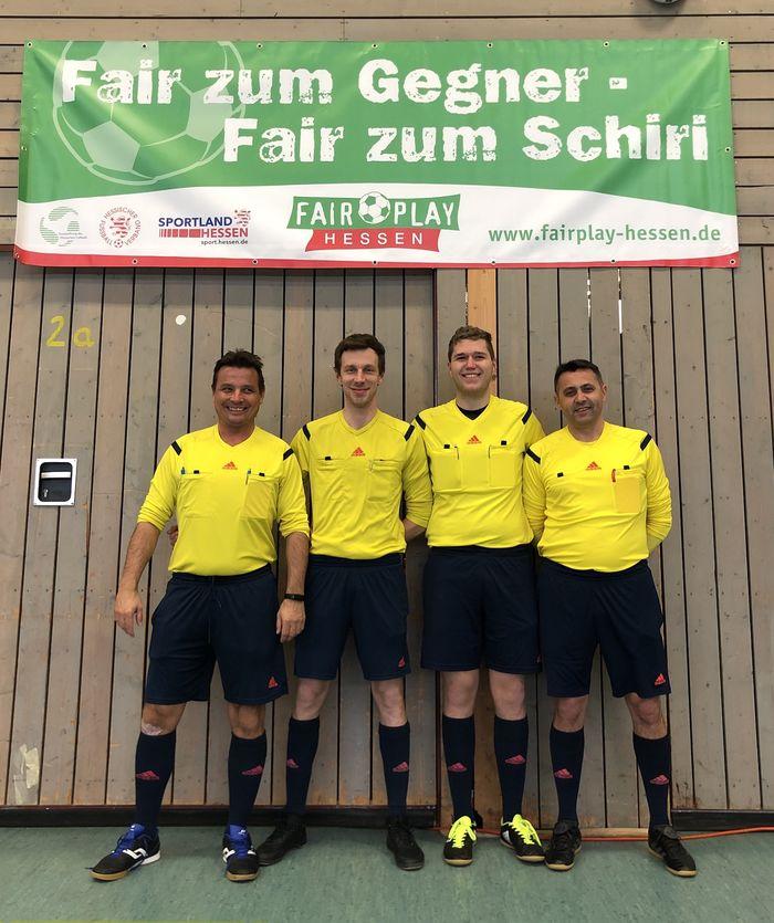 Die Schiedsrichter des Finaltages (v.l.n.r. Meiko Becker, Michael Tonecker, Pascal Borck, Martin Ivanovic-Lamarra)