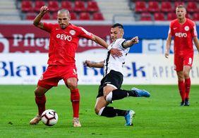 Kickers Offenbach erkämpft sich trotz langer Unterzahl einen Punkt gegen den Dritligaabsteiger VfR Aalen [Foto: Kickers Offenbach]