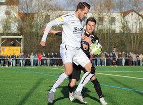 Bekommt der FCE um Daniel Henrich Stadtallendorfs Torjäger Felix Nolte in Spiel 2 in den Griff? [Foto: Patrick Schuch]