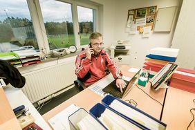 Per Laptop an den Webinaren des Hessischen Fußball-Verbandes im April teilnehmen. [Foto: DFB]