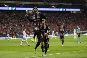 Jonathan De Guzman führt die Eintracht mit seinem 1:0 zum Sieg. [Foto:GettyImages]