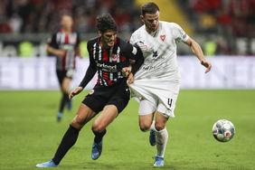 Goncalo Paciencia im Zweikampf beim Europa League Qualifikationsspiel gegen den FC Vaduz. [Foto: GettyImages]