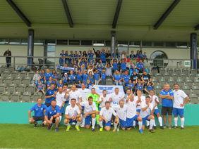 Die Mannschaft des SV Erzhausen und ihre zahlreich mitgereisten Anhänger. Foto: privat