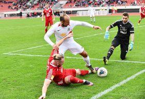 Das Duell zwischen dem SV Rot-Weiß Hadamar und dem KSV Hessen Kassel könnte erneut äußerst umkämpft werden. [Foto: Harry Soremski]