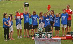 Siegerfoto der D-Juniorinnen vom RSV Großenenglis. Foto: Ingo Hörning