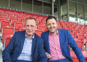 Uwe Scheller (Vorstand KSV Hessen Kassel, li.) und Michael Krannich (Leiter Marketing und Sponsoring). Foto: Verein