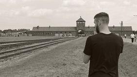 Ziel der Gedenkstättenfahrt: das Vernichtungslager in Auschwitz. Foto: getty images