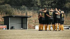 Als Mannschaft zusammen gegen Alltagsrassismus: Der SSV Hatzbach. Foto: Daniel Keller