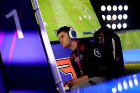 Wer sichert sich den virtuellen Fußball-Titel beim HFV-StayAtHomeCup 2020? [Foto: Getty Images]