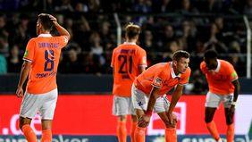 Enttäuschte Gesichter nach der Niederlage gegen den VfL Osnabrück. [Foto: Huebner/Ulrich]