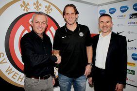 Dr. Thomas Pröckl (re.) gibt sein Amt als Geschäftsführer des SV Wehen Wiesbaden und der BRITA-Arena zum Jahresende auf. Foto: SVWW