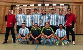 Erfolgreiche Turnierpremiere: Die neue Futsal-Hessenauswahl unter der Leitung von Harald Schumacher (links) und Steffen Winter (rechts). Foto: Rainer Schröer/nh