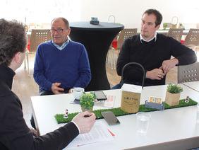 Im Redaktionsgespräch wird die Entwicklung des TSV Steinbach thematisiert. Foto: Matheis