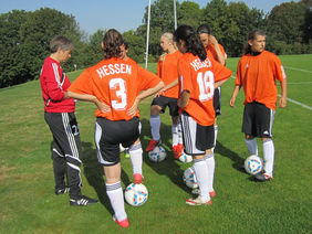 U15-Trainerin Barbara Wolinski bei der Arbeit, Foto: Frauke Winter